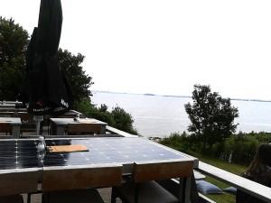 tafel met zonnepanelen