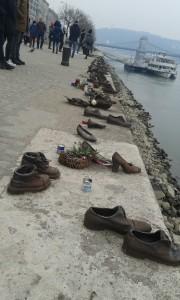 schoenenmonument